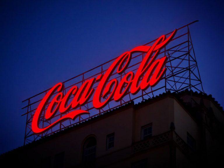 Free-Electronic-Neon-Sign-Billboard-Mockup-PSD-5-768x576-min