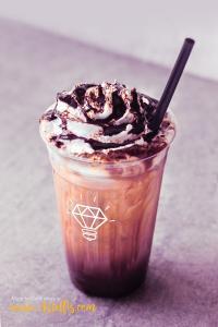 Milkshake – Free Mockup