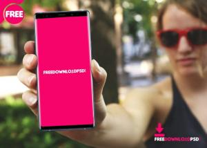 Women with Samsung Note 9 Free Mockup