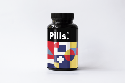 Free Pills Bottle Packaging Mockup