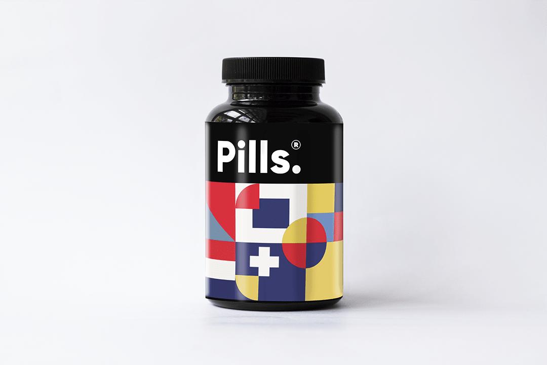 Free Pills Bottle Packaging Mockup