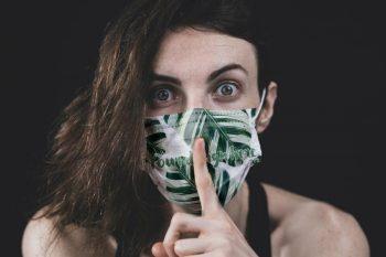 Face Mask Free (PSD) Mockup