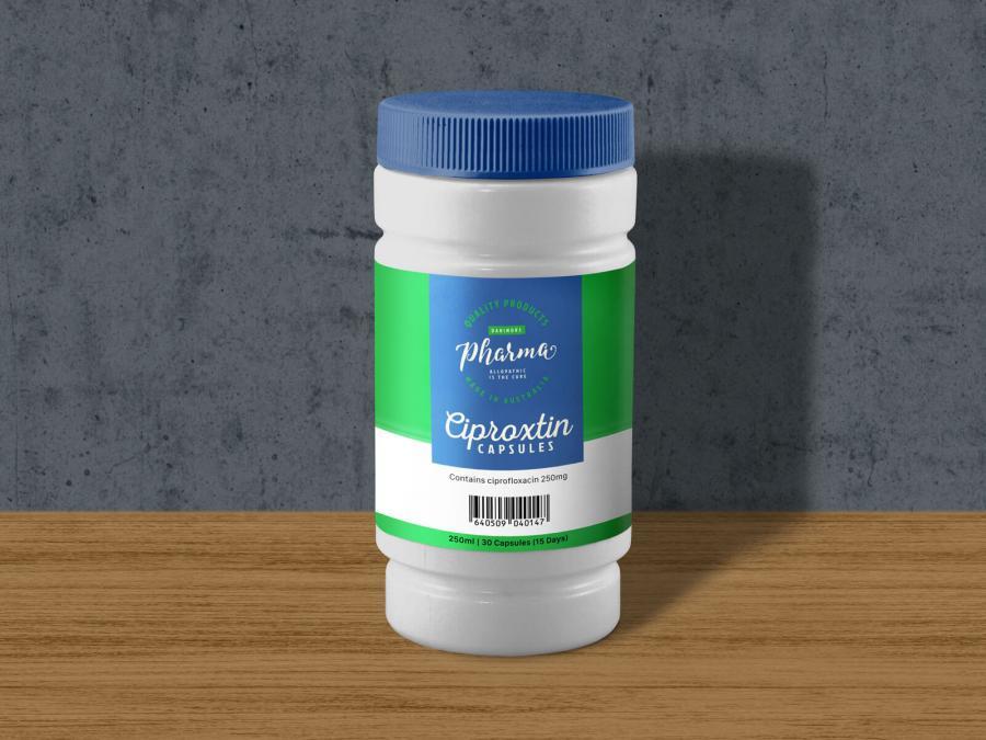 Free Plastic Medicine Bottle Mockup