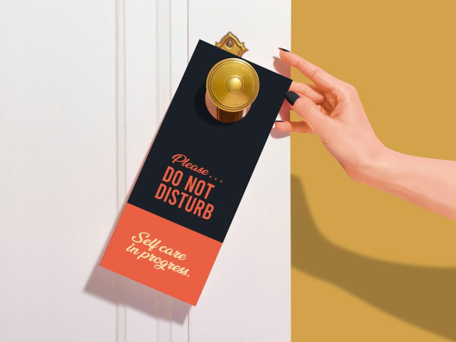 Free Door Hanger Mockup (PSD)